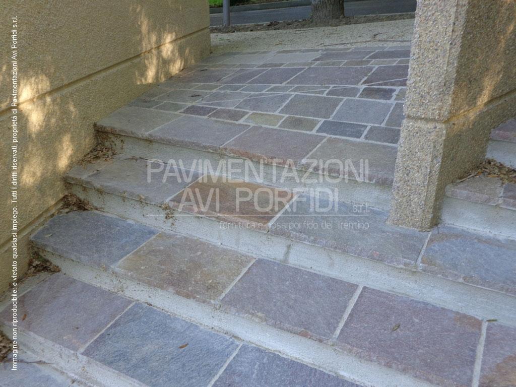 Scale e gradini di porfido - Gradini in cemento per esterno ...