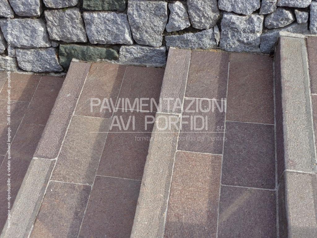 Scale e gradini di porfido - Piastrelle in porfido prezzi ...