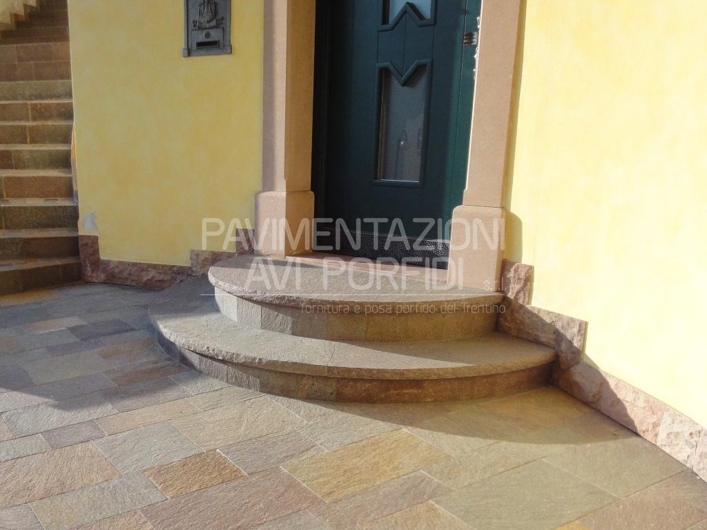 Pavimentazioni avi porfidi pedate in porfido - Piastrelle scale interne ...