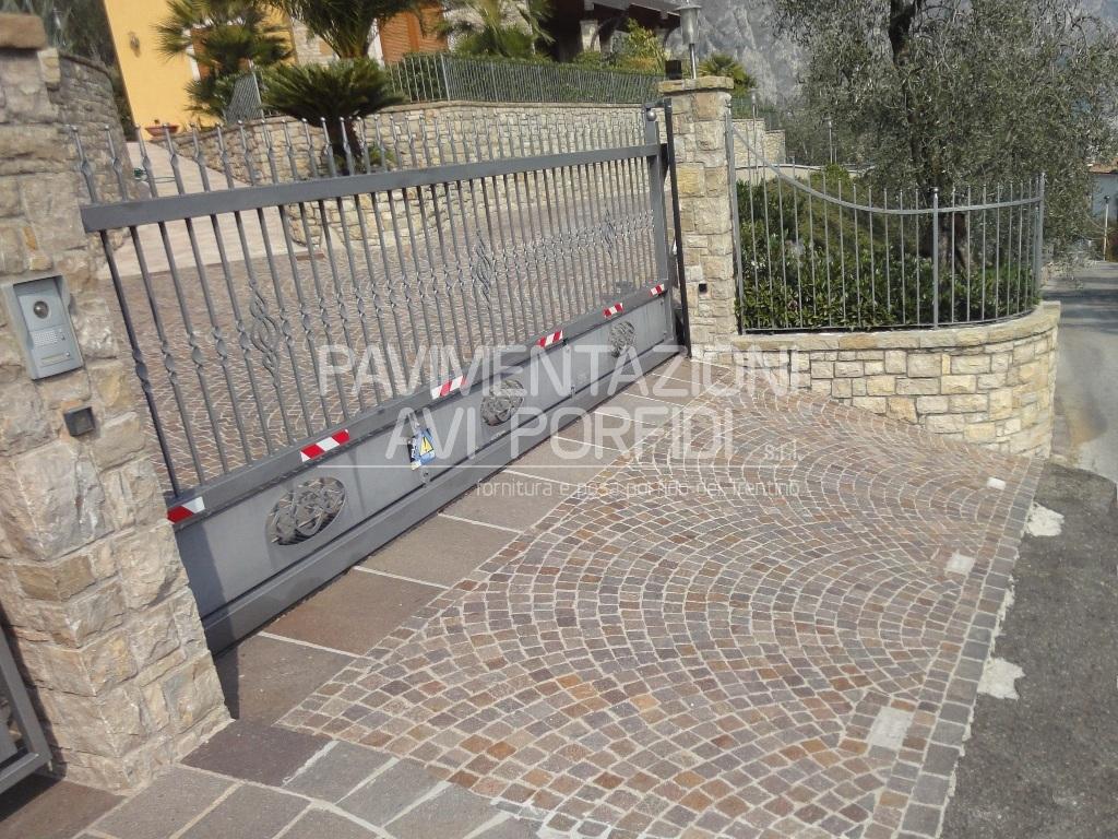 Pavimentazioni Avi Porfidi :: Soglie di Porfido