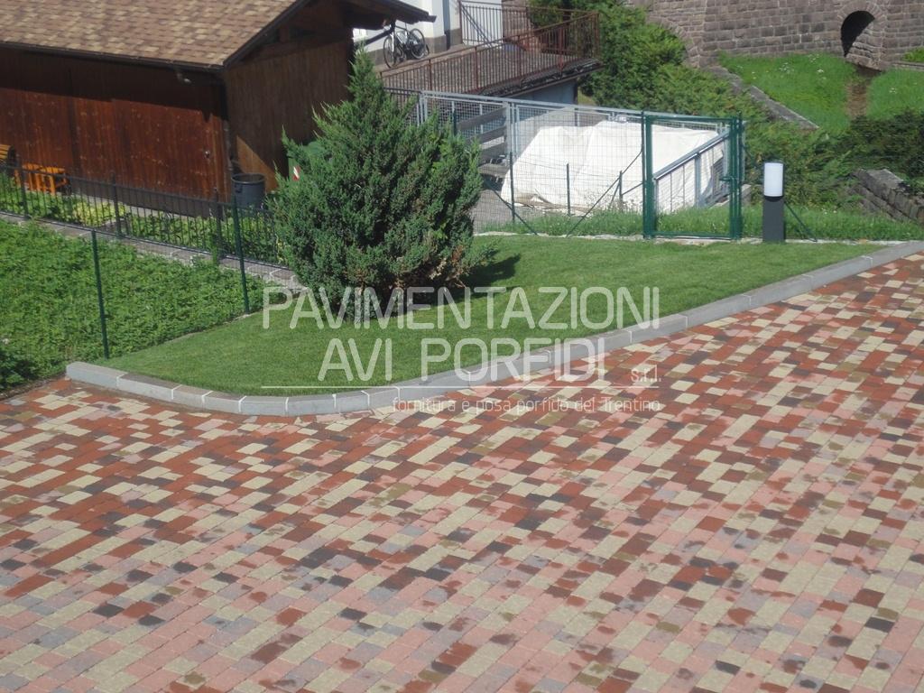 Mobili e arredamento cordolo aiuola for Cordoli in cemento bricoman