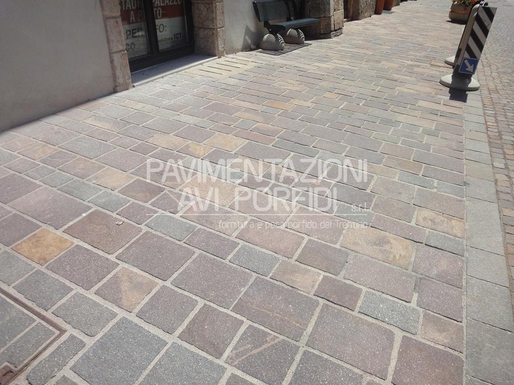 Piastrelle marciapiede pavimentazione confortevole soggiorno nella casa - Piastrelle per balconi ...