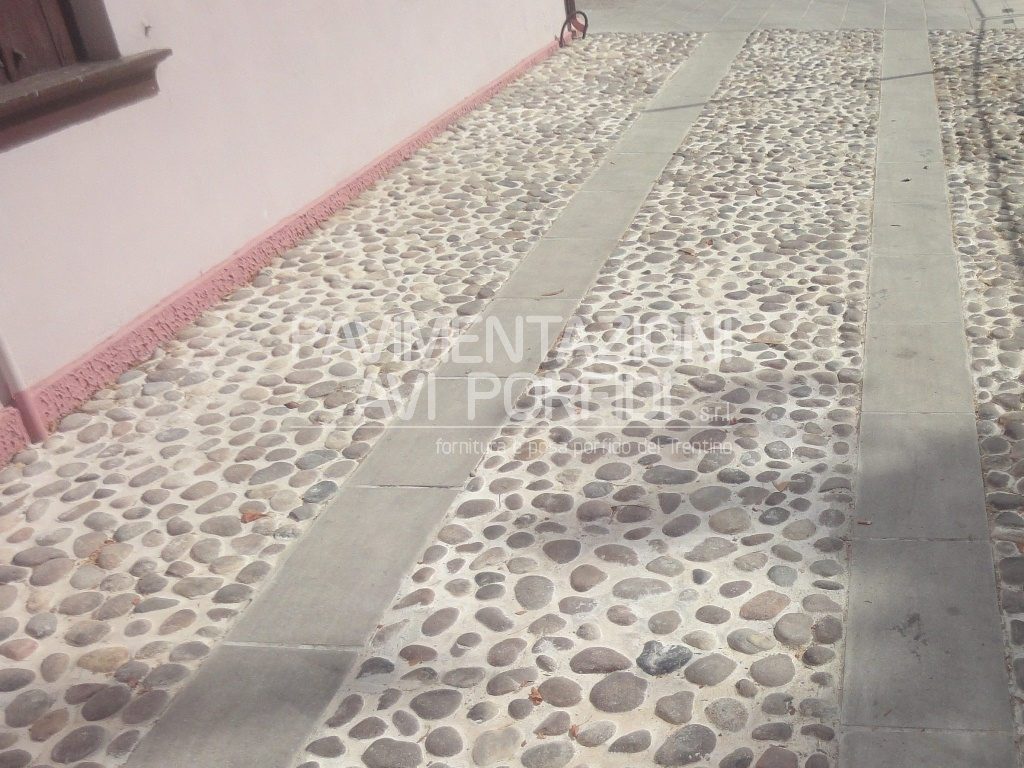 Pavimentazioni Avi Porfidi :: Trachite Euganea