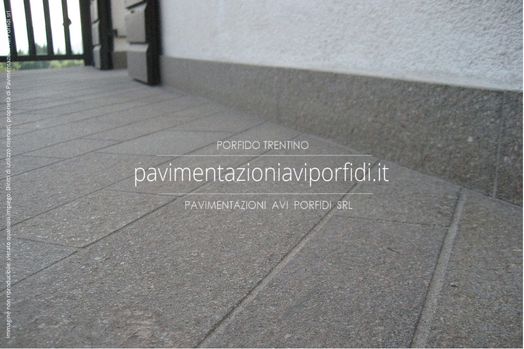 Emejing piastrelle per terrazzo pictures idee arredamento casa