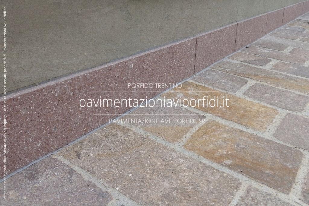 Favoloso Pavimentazioni Avi Porfidi :: Battiscopa e zoccolino in porfido  AG54