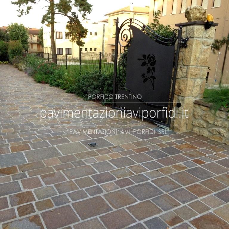 Piastre per esterno interesting pavimento esterno with for Porfido prezzi bricoman