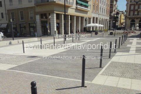 Pavimento In Pietra Naturale Per Interni : Pavimenti per esterni. look alle città col porfido e pietra
