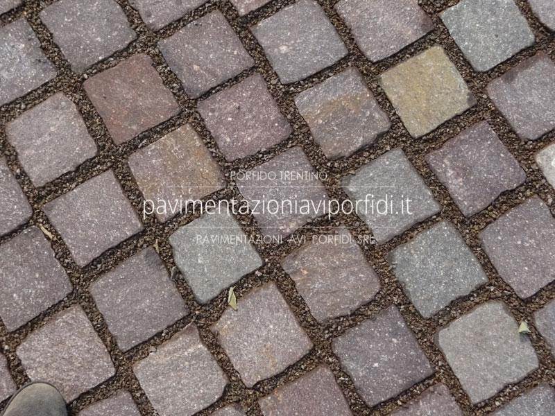 Pavimenti per esterni in porfido aree commerciali